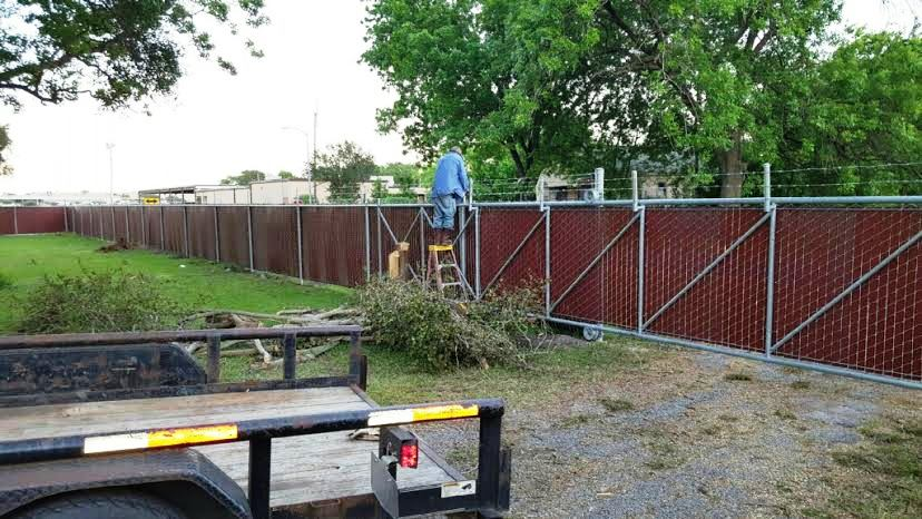 Installation Of Commercial Chain Link Fence Amp Gates In
